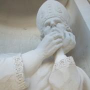 Saint Denis, pierre de tervou, Monuments historiques, détail